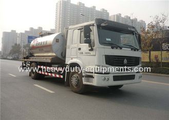 China Truck Mounted Type Liquid Asphalt Tanker With Pump Output 5 Ton / H supplier