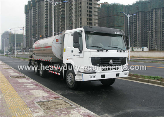 China Intelligent Asphalt Distributor with computerized control system and two diesel burner heating system supplier
