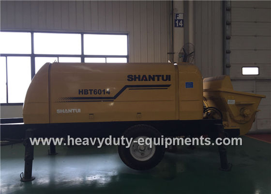China SHANTUI HBT60 concrete pump trailer adopts the inclined gate valve, featuring good adaptability to concrete factory